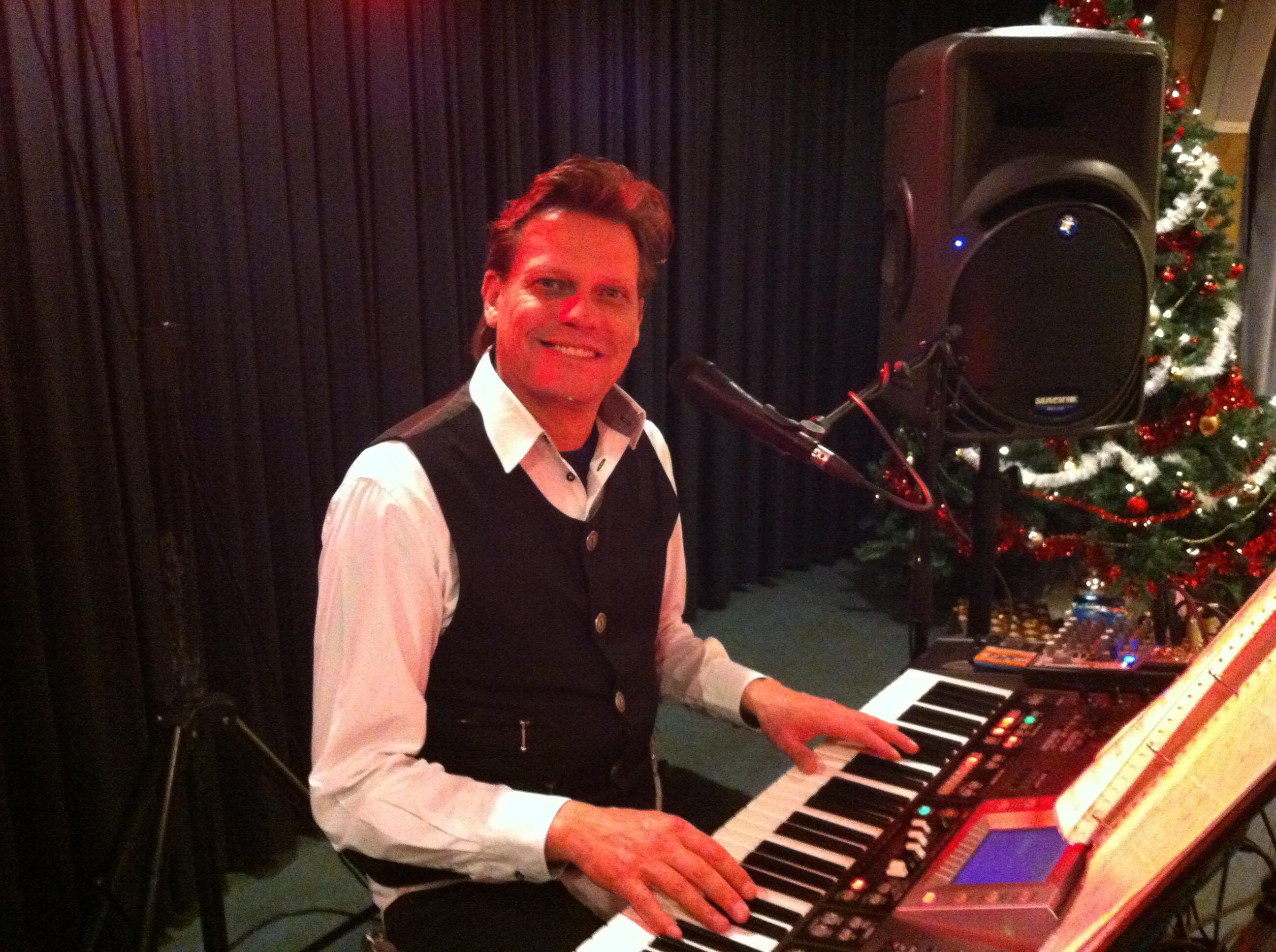 Kerst muziek live gezongen kerstrepertoire muzikant pianist zanger